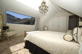 Bedroom on Albertines Holiday Home Photo Gallery